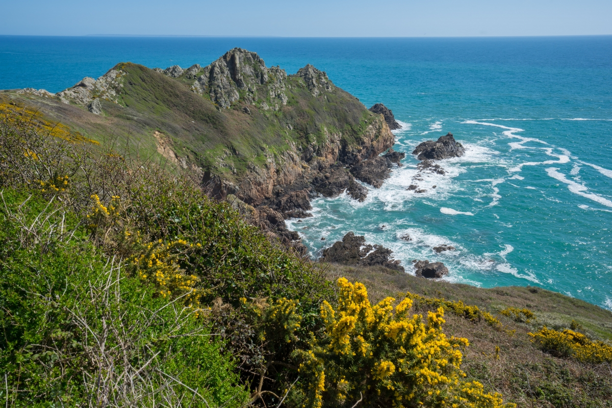 south coast cliffs in guernsey